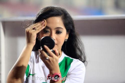 Foto Foto Presenter Putri Violla (14)