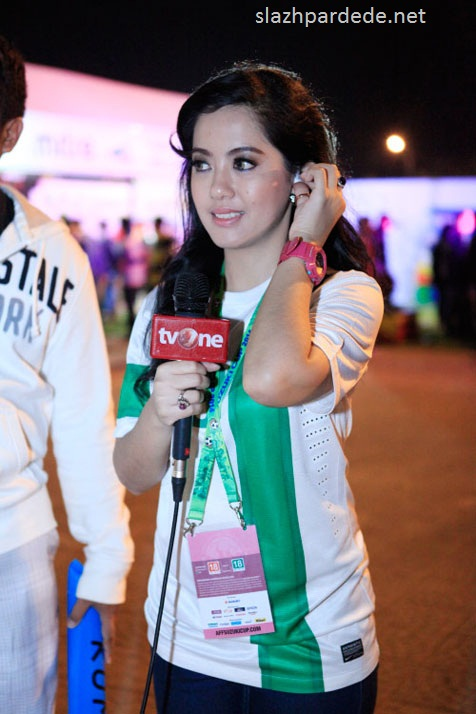 Foto Foto Presenter Putri Violla (8)