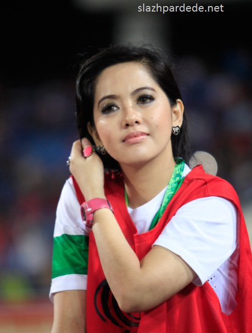 Foto Foto Presenter Putri Violla (9)