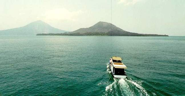 2def6-Objek-Wisata-Gunung-Krakatau-Selat-Sunda-Lampung