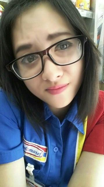 Foto Terbaru Siti Rohmah, Kasir Cantik Indomaret (11)